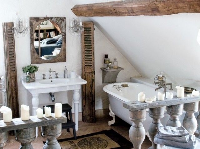 Maison industrielle13~ beautiful attic bathroom   love the shutters and beam