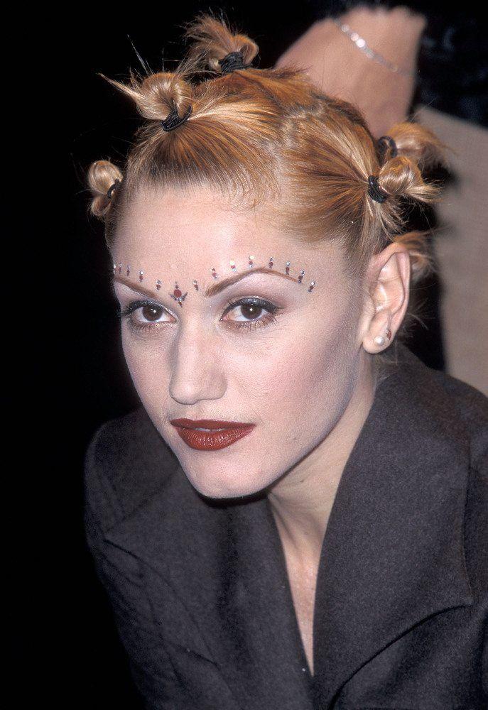 15 Zeitlose Und Erstaunliche Frisuren Der 90er Jahre Fur Frau 90er Frisuren Erstaunliche Frisuren Frisuren