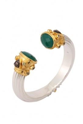 You can find beautiful Amrapali Jewels at Taj Khazana!