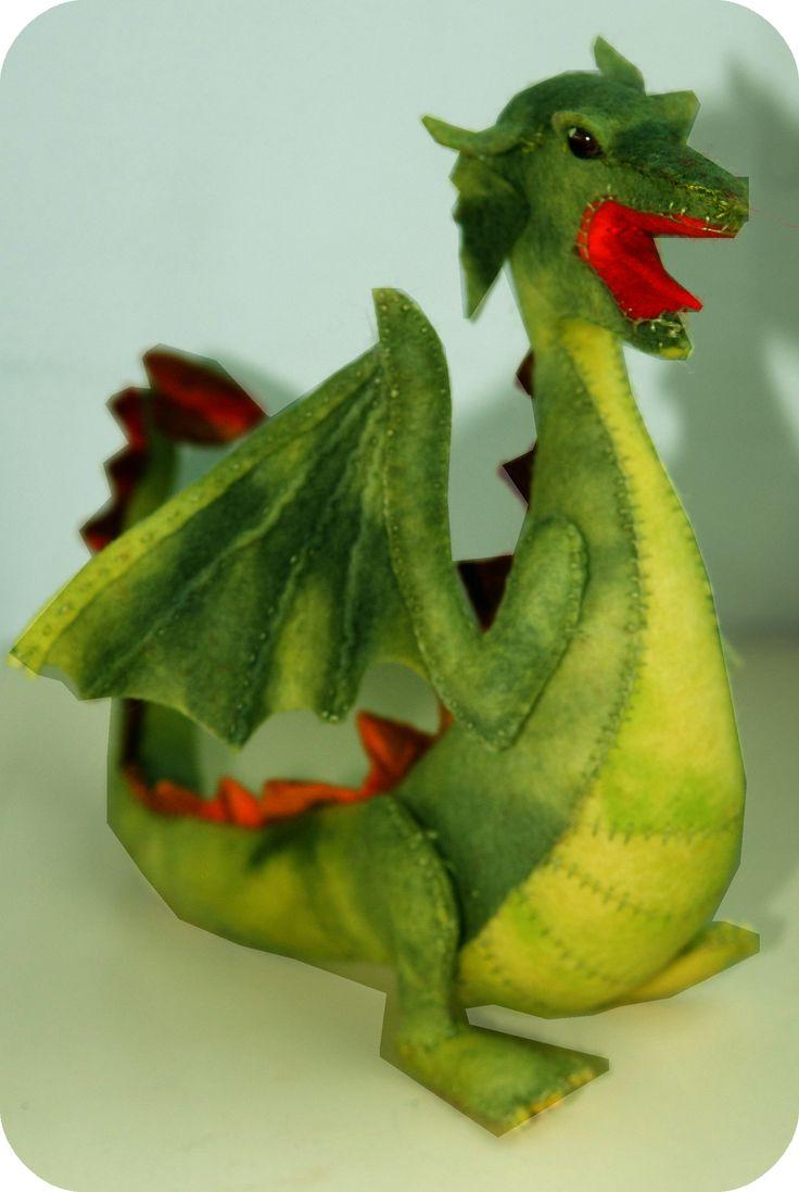 felt dragon, Saint Michael, pattern available.. draak van vilt, patroon