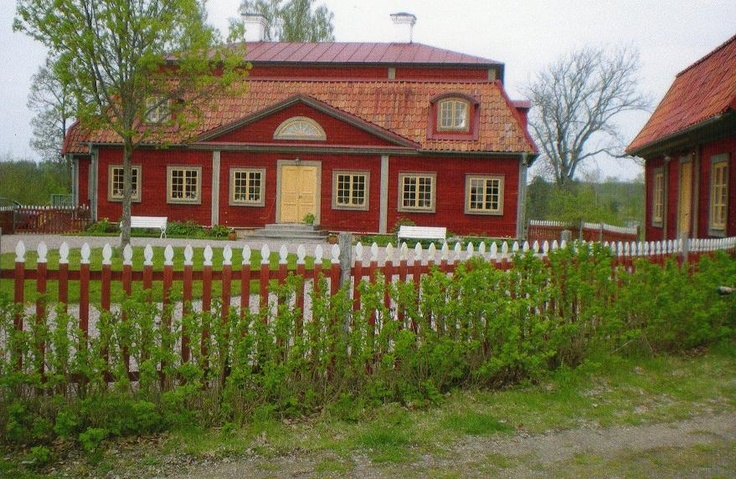 Värskäl Farm - new-built house after 1700th century style, with traditional materials