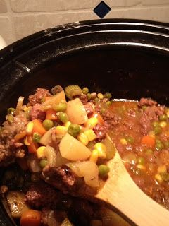 Crock-a-doodle-do: Cowboy Stew  Ok to use Ground fat free Turkey instead of Beef in this recipe!! :)