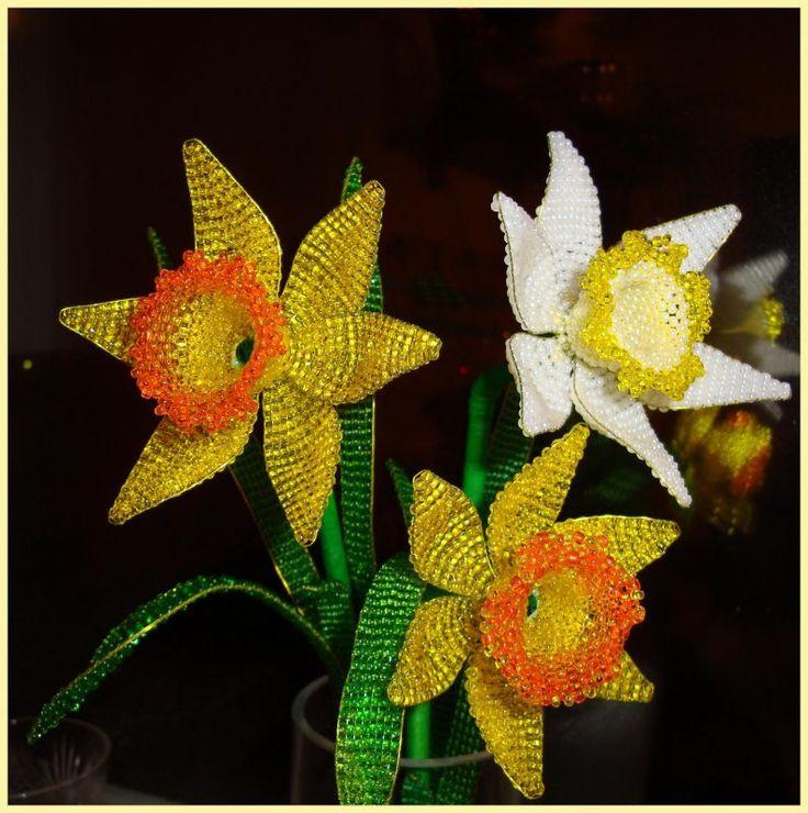 Мастер-класс: Нарциссы из бисера :: Корица: Beads Crafts, Стеклянные Нарциссы, Beads Flowers, Beads Tutorials, Seeds Beads, Crafts Flowers, Crochet Crafts, Beads Work, Spring Crafts