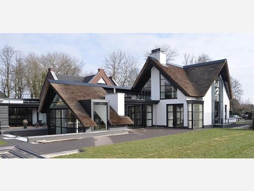 Amazing, clean twist to a cottage. Villa in Heiloo, Netherlands.