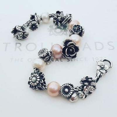 Flower Power! The flowers of the month have such a romantic, vintage feel to them. And each one is so different  #trollbeads #trollbeadsuk #trollbeadsstyle #trollbeadsofficial #trollbeadslove #pearls #flowers #silverbracelet #silverbeads #silver #jewellery #lauralovesbeads