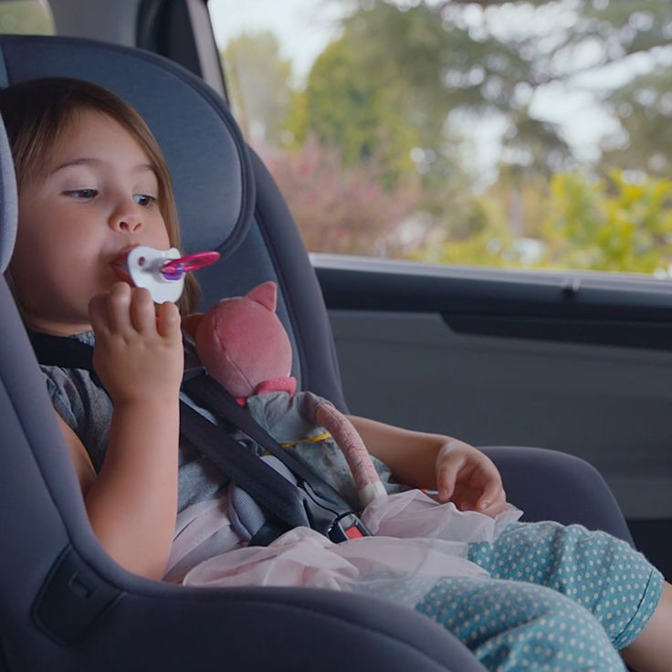 Don't let the binky get away. Use the available Magic Slide 2nd-row seats™ in the all-new 2018 Honda Odyssey to keep your little one and binky together.