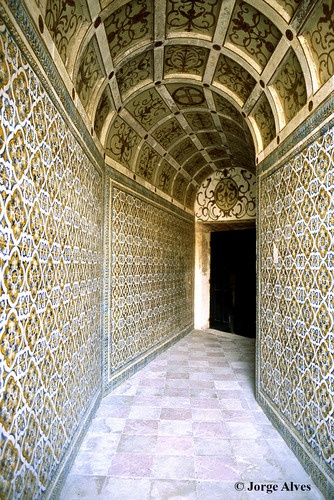 Hallway all covered with azulejo (tiles) Tomar, #Portugal #PORTUGALmilenar