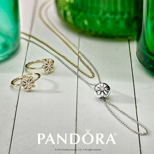 Need a style tip? Try adding a two-tone clip to a basic chain to create statement piece for any outfit. PANDORA Jewellery has mixed metals to elevate your style!