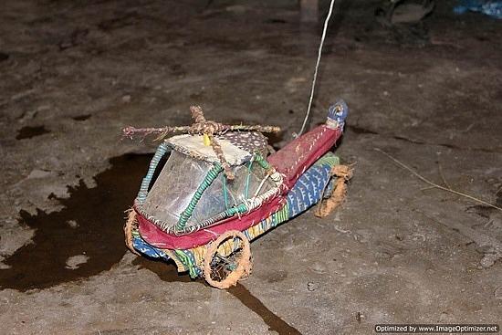 http://www.TravelPod.com - locally crafted kids play toy by TravelPod member Julesandjen, from Lake Malawi, Malawi