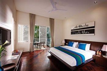 Lone Pine Penang room 4