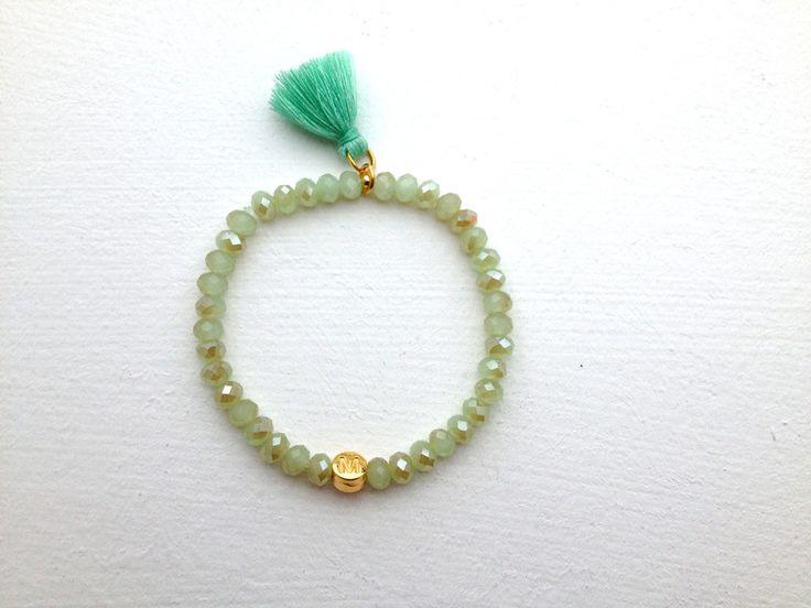 Brautschmuck - Armband mit Glasperlen - mit Buchstaben in Gold - ein Designerstück von vandundesign bei DaWanda