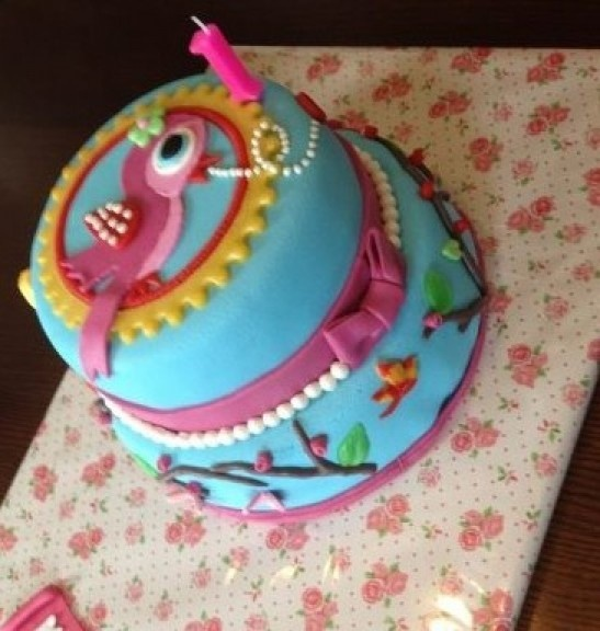 Marsepein taart/cupcake | pip studio taart Door Logeerensfeer