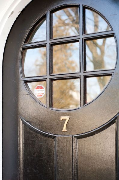 81 best images about colonial decorated door on pinterest colonial williamsburg colonial and for Exterior door with round window