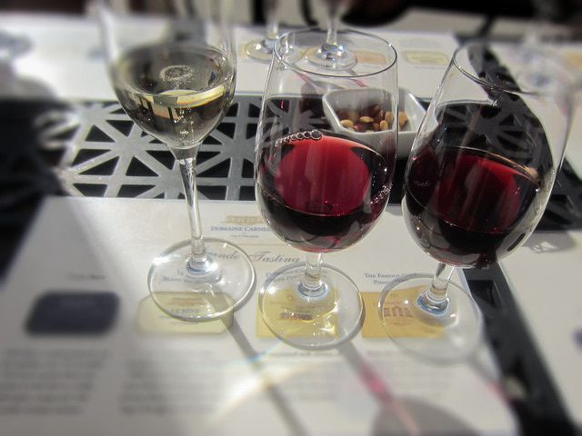 Find the best Napa Valley wineries, best tasting rooms, tours and where to taste wine for free