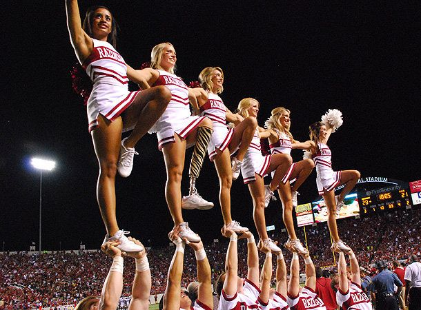 The girl with the 'zebra leg' wows Hog country (Jim Tran/R'back Spirit Squads) #Inspiring #Football #CheerPatience Beards, Cheerleading Cheer, Arkansas Razorbacks, Colleges Football, Zebras Legs, Zebras Prints, Cheer Camp, Prosthetic Legs, Freshman Cheerleading
