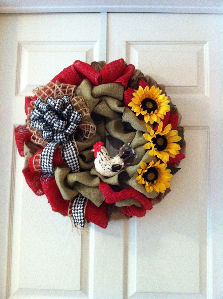 Burlap Wreath With Straw Rooster Red Is Perfect Accent Wreaths Of Inspiration Pinterest