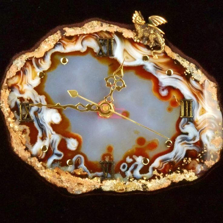 "Часы из камня ""Дракончик"" Драгоценный камень агат. Часы из натуральных драгоценных и полудрагоценных камней (арт. 76117)"