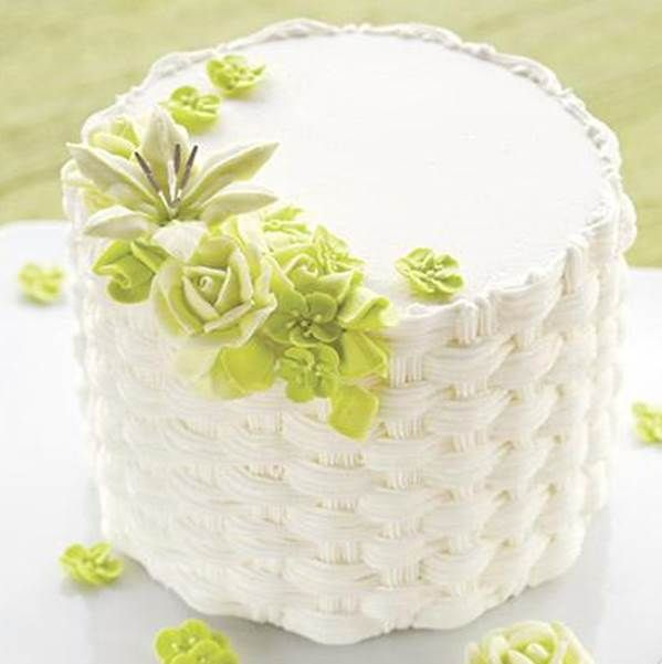 Learn how to pipe a basketweave and other great decorating techniques in The Wilton Method of Cake Decorating Course 2.