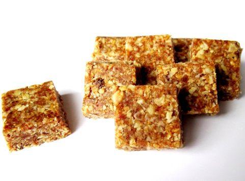 Орехово-фруктовые батончики — вкусные и полезные сладости без выпечки.