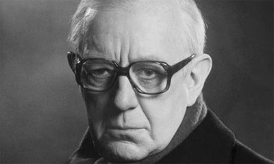 Alec Guiness ~ George Smiley