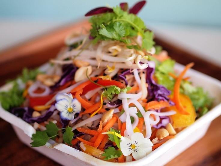 Asian noodle salad - Fuchsia Epicerie Fleur