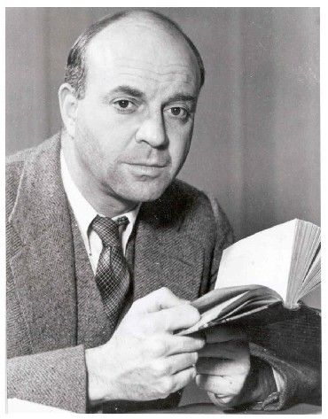 American writer John Dos Passos (1896–1970) underwent several political conversions in his rather adventurous life. After graduating from Harvard in 1916, he volunteered for the French army. He later served as a medic in the U.S. army after American entry into the war.