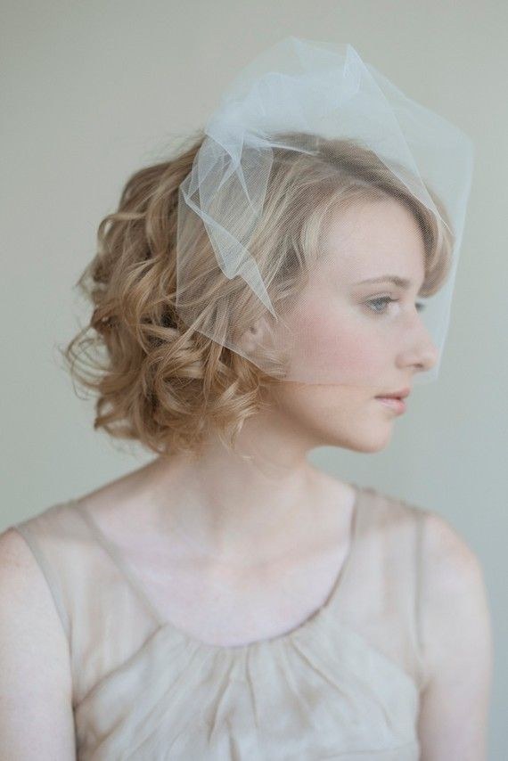 short curly hair bride with airy birdcage veil.  veil by twigs & honey, photo by lisa warningerBridesmaid Hair, Birdcage Veils, Hair Wedding, Shorts Curly Hair, Twig And Honey, Hair Style, Birdcages Veils, Wedding Hairstyles, Shorts Hairstyles