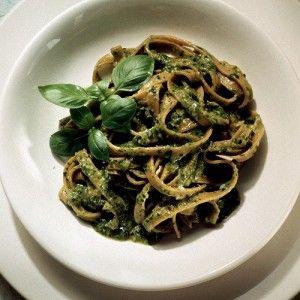 Паста с соусом песто из рукколы и грецких орехов рецепт – итальянская кухня, вегетарианская еда: паста и пицца. «Афиша-Еда»