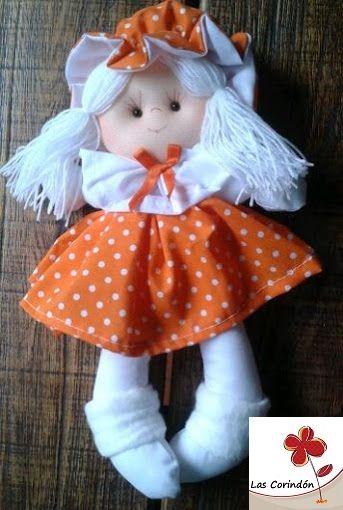 Consuelo en vestido naranja