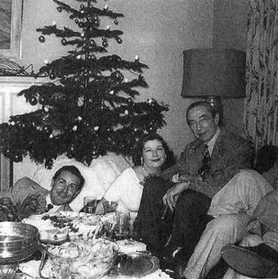 Bela Lugosi y  Ed Wood en una Navidad, vieron la película de Tim Burton....no se la pierdan.