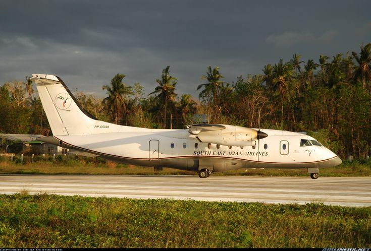 Dornier 328-110 en el Aeropuerto Caticlan (Godofredo Ramos RPVE), Malay, Filipinas. Fotografía de Heinz Rentmeister.