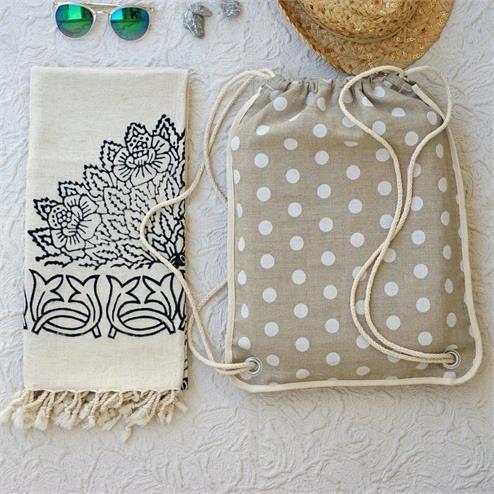 Siyah Ağaç Baskı Plaj Seti - Ebat:Plaj Çantası 37x40 cm Peştamal 80 x 180 cm  Renk: Peştamal Keten Rengi Siyah Baskılı    Plaj Çantası Krem Beyaz Puanlı