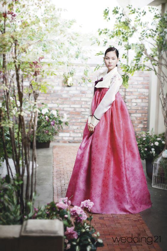 한복 > [웨딩한복] 자연보다 싱그럽고 아름다운, 한복나라 남가람 웨딩21 매거진 (Wedding21) - 결혼대백과 웨프