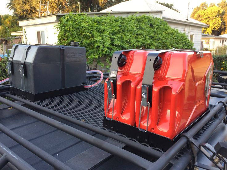 Frontrunner Double Jerry Can Holders With 40 Liter Water
