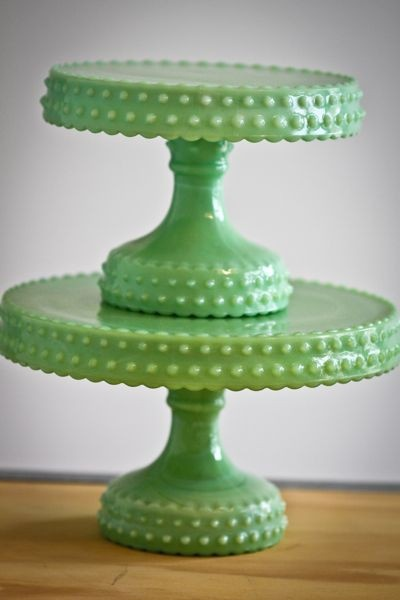 Jadite!: Green Cakes, Cakes Plates, Green Milk Glass, Vintage Cakes, Fire King, Pink Cupcakes, Milk Glasses, Hobnail Cakes, Cakes Stands