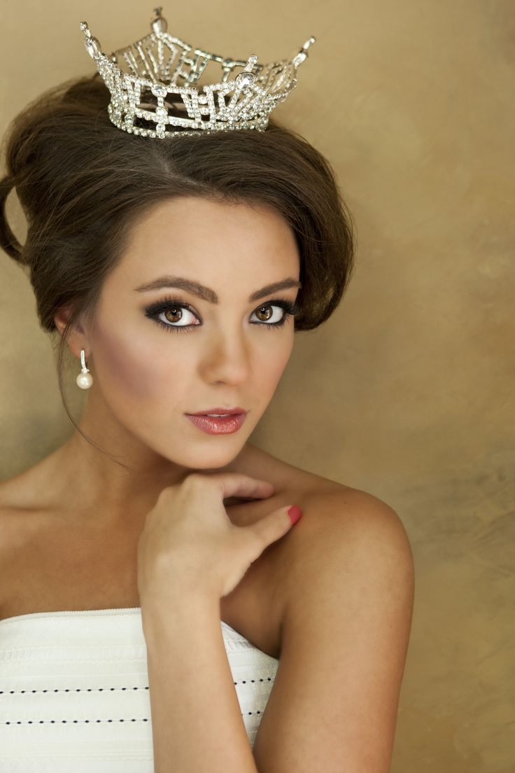 Miss Kentucky 2012, Jessica Casebolt. This beautiful photo by Phillips Mitchell Photography in Lexington was used for the 2013 Miss Kentucky Pageant program book cover.