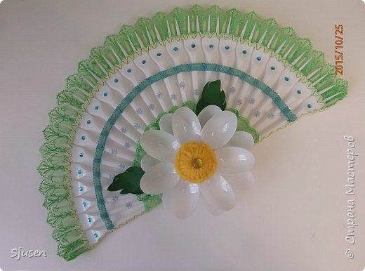 38 best images about plastic fork crafts on pinterest for Crafts with plastic spoons and forks