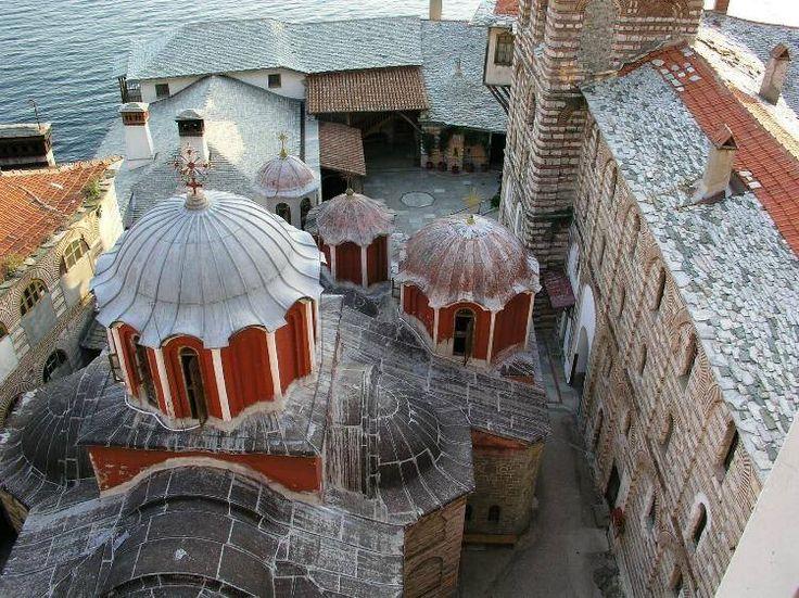 Το καθολικό της Ιεράς Μονής Γρηγορίου Αγίου Όρους - The katholikon of the Holy Monastery of Gregoriou, Mount Athos