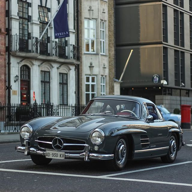 Mercedes benz 300sl gullwing wheels wings waves for Mercedes benz london ontario