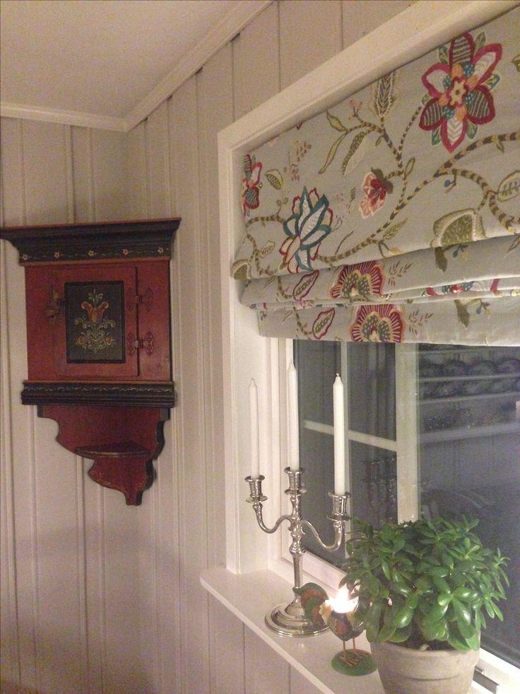 Liftgardin til hytte Leverandør: www.hegew.no Kreativ Designer: Hege Wølner