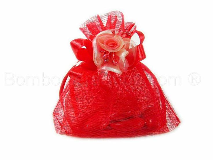 Sacchetto portaconfetti in organza colore  rosso confezionato