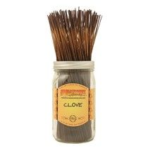 Clove - A rich spicy clove scent with notes of clove bud, clove leaf and rich sandalwood.