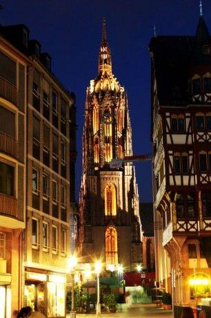 Frankfurt/Alemanha                                                                                                                                                                                 Mais
