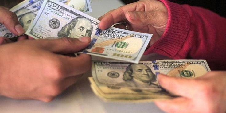 Tipo de cambio: precio del dólar cae marginalmente