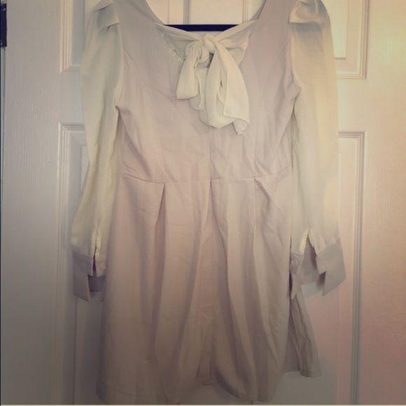 Bow Back Dress Long sleeve bow back dress. Very cute. New. No size tag but fits like a M No brand Dresses Long Sleeve