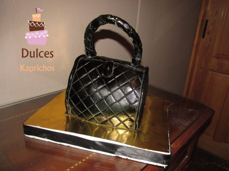 Torta Artística Cartera  #TortaCartera #TortasArtisticas facebook.com/dulces.kaprichos.chile