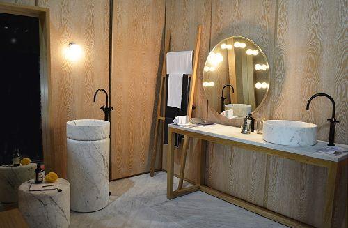 Badkamer Trends: Badkamer Hotspot in Huis -  Marmeren Badmeubelen & Sanitair Marmo Spirito, Maison & Objet Interieurbeurs in Parijs - MEER Badkamers ... (Foto Perscentrum Wonen  op DroomHome.nl)