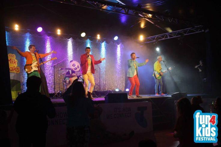 Fun4 Kids Main Stage- Warrnambool 2014. www.themikmaks.com.au