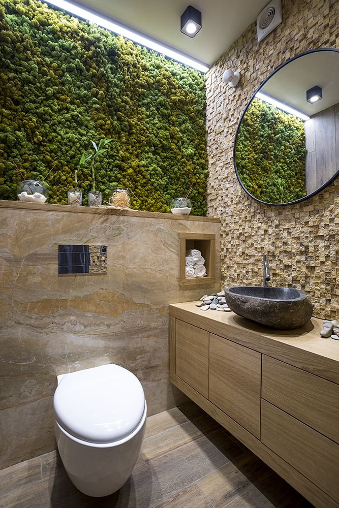 Botanical bathrooms can be bold - just check out this amazing wall arrangement!