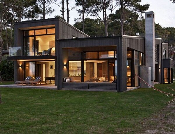 residence on the western end of matarangi beach, new zealand; designed by matt chaplin of sumich chaplin architects.